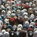 muslims offering prayers